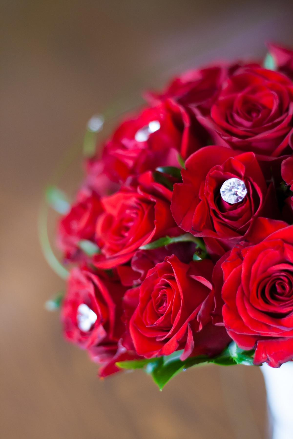 red-flowers-flower-bouquet